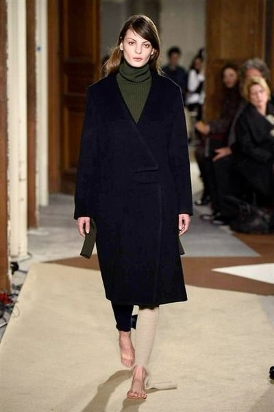 jacquemus-defile-mode-fashion-week-pic-de-nore-pull-made-in-france-1